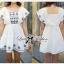 Lady Ribbon เดรสผ้าคอททอนสีขาว ปักลายน้ำเงิน ทรงคัฟทาน thumbnail 4