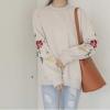 เสื้อจั๊มเปอร์ Long-sleeved Hedge Embroidery