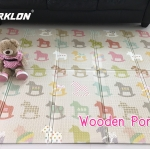 แผ่นรองคลาน Parklon แบบพับได้ PE Folding Mat ลาย Wooden Pony ขนาด 140*200 หนา 1.0cm ส่งฟรี EMS