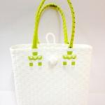 กระเป๋าเล็ก แบบก้นเหลี่ยม มีตะกร้อ (AUS )
