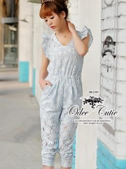 Odee Cutie จั๊มสูทขายาวผ้าลูกไม้ แขนระบาย สีฟ้าหวานใส