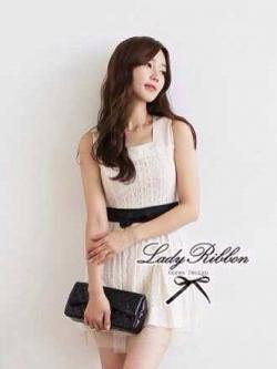 Lady Ribbon Floral Lace Dress เดรสลูกไม้ ดีเทลชายผ้าแก้ว