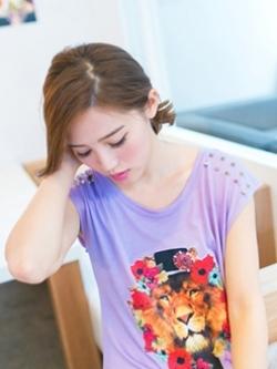 Tokyo Fashion เสื้อคอกลม สีม่วงอ่อน พิมพ์ลายสิงโต แต่งหมุดที่ไหล่ เก๋ๆ