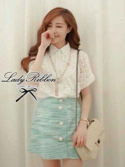 Lady Ribbon เสื้อเชิ้ตลูกไม้ขาว ทรงคลุมไหล่