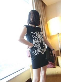 เสื้อแฟชั่น ลายเสือ ไหล่เสริมฟองน้ำ สีดำ สีเทา