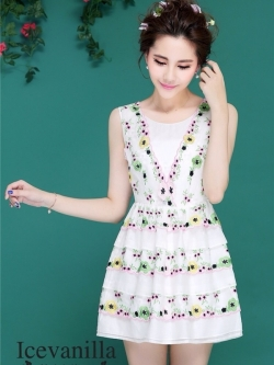 Icevanilla Luxury Lively 3D Floral Embroidery Dress
